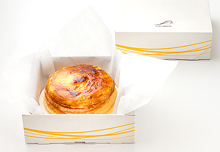 【casaneo (カサネオ)】20層のミルクレープは驚きの新食感!ギフトやお土産にも喜ばれます!